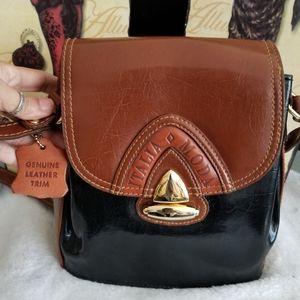 Italia Moda genuine leather purse..